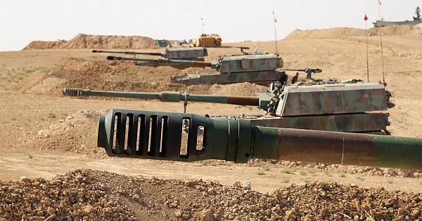 Yerli üretim T-155 Fırtına obüsleri