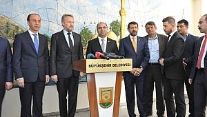 İzzetbegoviç, Büyükşehir Belediyesi'ni ziyaret etti