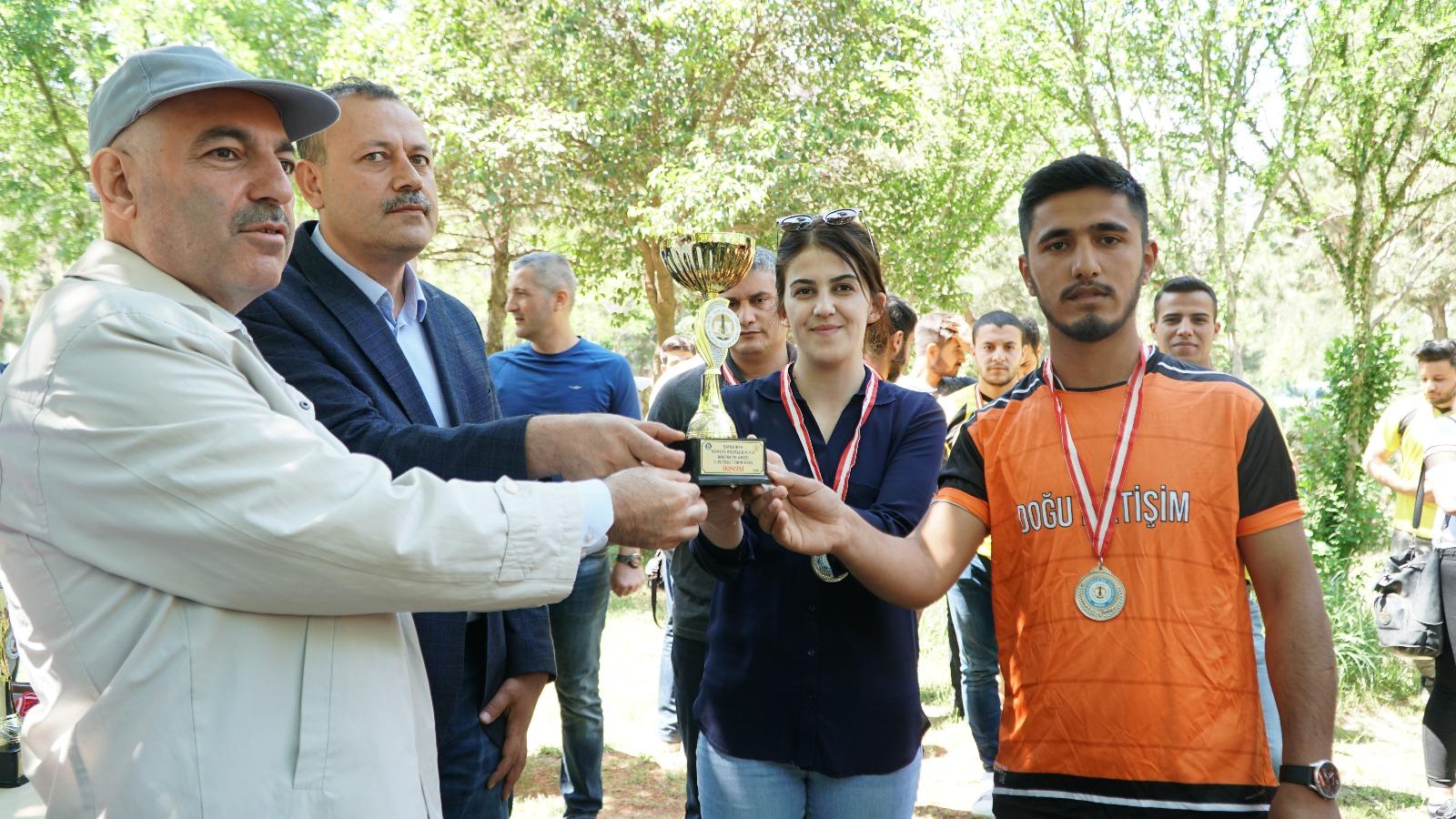 HRÜ'den geleneksel futbol turnuvası sona erdi