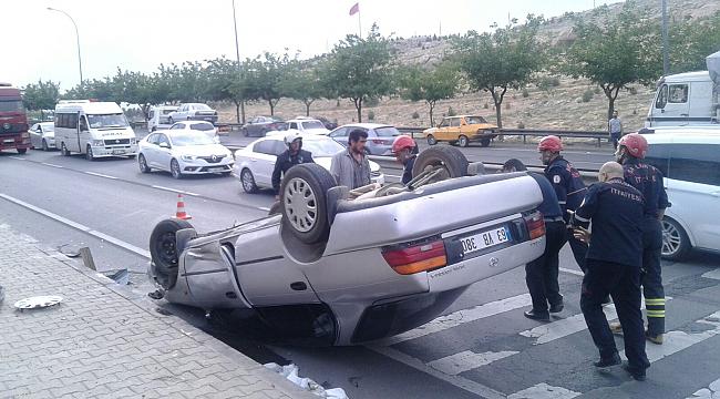 İki araç takla attı:7 yaralı