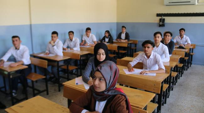 Öğrencilere TYT sınavı yapıldı
