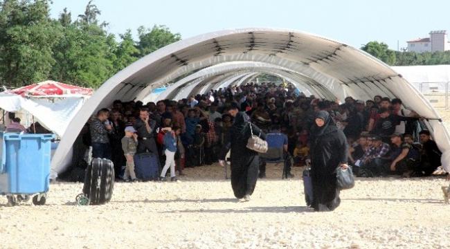 Bayram için ülkelerine giden Suriyeliler