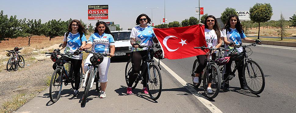 Bisikletçiler Urfa'ya vardı hedefte komşu var