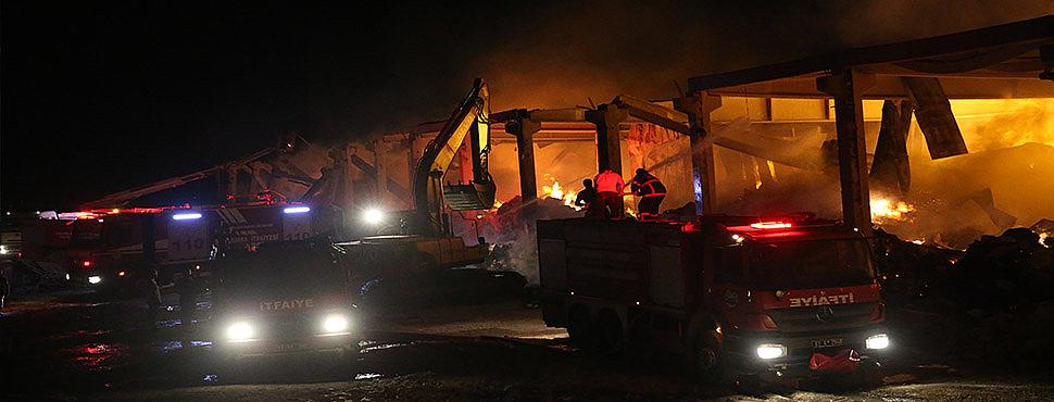 İplik fabrikasında çıkan yangın söndürüldü