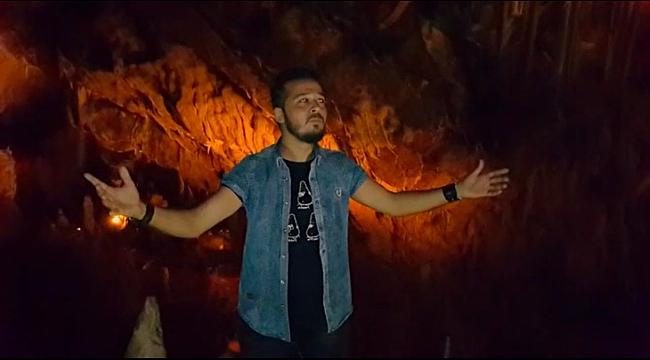 Mağarada şarkı söyledi, yarasalardan özür diledi