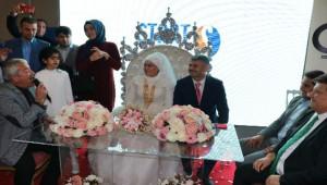 Evli Çift 16 Yıl Sonra Fuar'da
