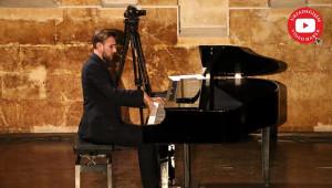 Piyano ile Urfa Divanı