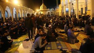 Beraat Kandilinde vatandaşlar camiye akın etti
