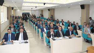 Büyükşehir Başkanvekilleri ve encümenler belli oldu