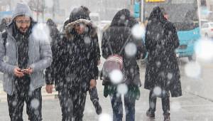 Erzurum'lular Nisan Ayında Kar Sürprizi