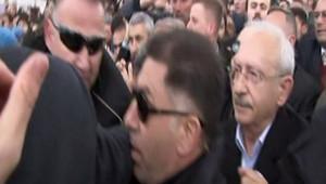 Şehit cenazesinde Kılıçdaroğlu'na saldırdılar