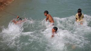 Kavurucu sıcaklar Urfa'yı etkisi altına aldı