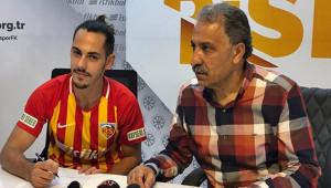 Kayserispor Yasir'e Sözleşme İmzalattı