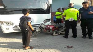 Motosiklet Sürücüsü yaralandı