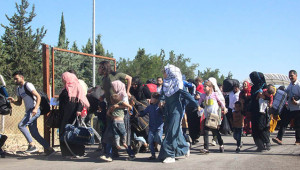 Suriyeliler ülkelerine koşarak gitti