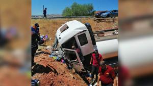 Yakıt tankeri şarampole devrildi: 1 ölü
