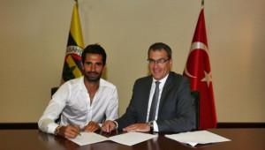Potuk yeni sözleşmesini imzaladı