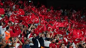 Beşiktaş Park Kırmızı-Beyaz!