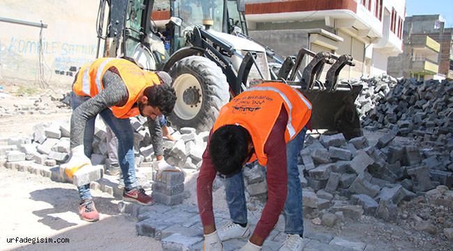 Viranşehir'de kilitli parke çalışması