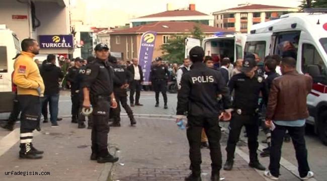 Esenyurt'ta bir internet kafeye gelen silahlı şahısların rastgele ateş açması sonucu 5 kişi yaralandı. ile ilgili görsel sonucu