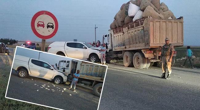Kamyon ile araç çarpıştı: 2 yaralı