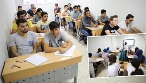 Üniversiteye ücretsiz kurslarla hazırlanıyorlar
