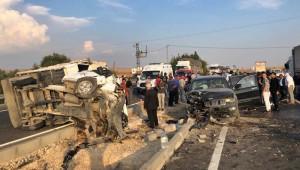 Zircirleme Trafik Kazası; 1 ölü, 9 yaralı