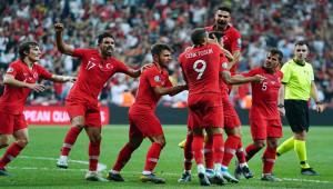 2020 UEFA Avrupa Şampiyonası'nda kura heyecanı yarın