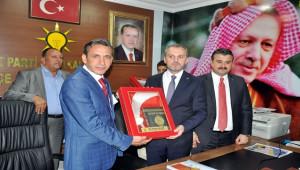 AK Parti'den Akçakale'ye Çıkartma