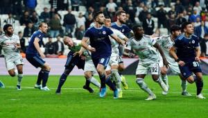 Beşiktaş 2 - 1 Slovan Bratislava