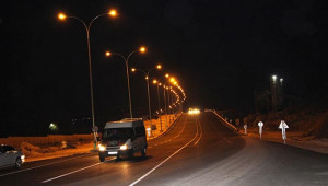 Çevik Kuvvet Köprülü Kavşağı aydınlatıldı
