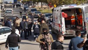 Duruşma öncesi silahlı kavga: 1 ölü, 4 yaralı