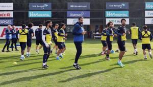 Fenerbahçe'de Malatyaspor Hazırlıkları Sürüyor