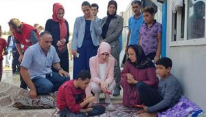 Gülhan Erin, Suriyeli aileleri ziyaret etti