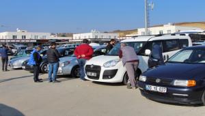 Kredi faizleri düştü, vatandaş sıfır otomobile yöneldi