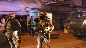 Mahalle Abluka Altına Alındı, 850 Polisle Operasyon