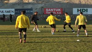Malatyaspor'da hedef Fenerbahçe'yi yenip zirveye ortak olmak