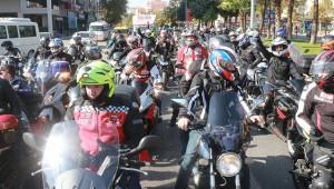 Motosikletliler, 10 Kasım için konvoy yaptı
