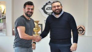 Altay Ali Tandoğan'la anlaştı