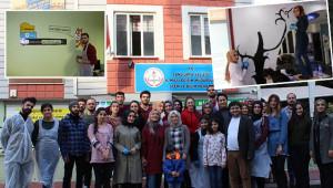 HRÜ'lü öğrenciler kente renk katıyor