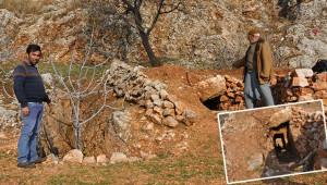Köylüler, Roma dönemine ait kaya mezar buldu