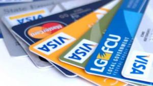 """""""Kredi kartlarını şişirip yeni yıla borçlu girmeyin"""""""
