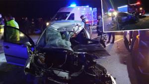 Otomobil tırın altına girdi: 3 ölü, 2 yaralı