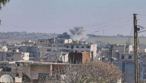 Rejim ve Rus uçakları İdlib'i vurdu; 2 ölü, 5 yaralı