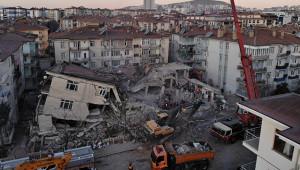 """""""Elazığ merkezli depremde yaralı sayısı bin 607"""""""