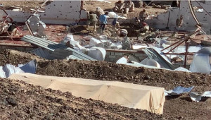 Husiler Yemen'de askeri kampa saldırdı; 79 ölü