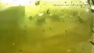 İran'da düşen uçağın patlama anı