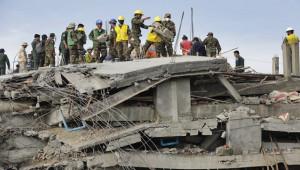 Kamboçya'da bina çöktü; 10 ölü