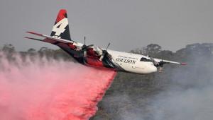 Kanada tanker uçağı düştü; 3 ölü