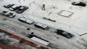 Rusya'da 17. katta balkondan kayarak düşen çocuk öldü